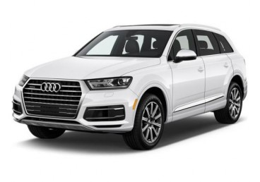 Pack more and do more with the Audi Q7 full-size SUV.